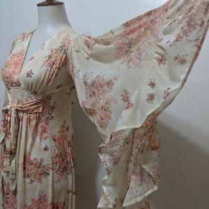 Dresses & Skirts - Vintage Floral Dress!